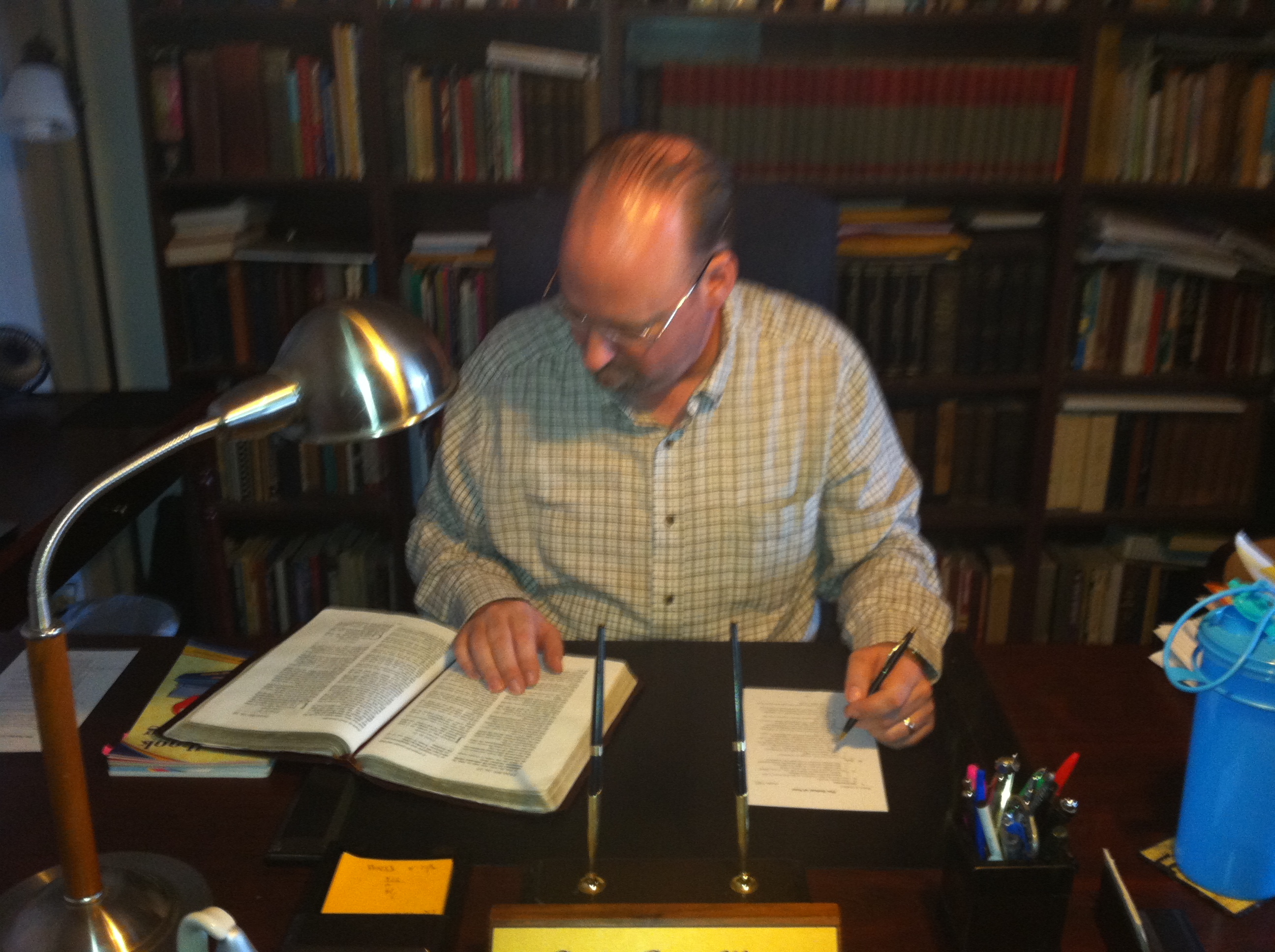 Dr. Billy Kryger Pastor